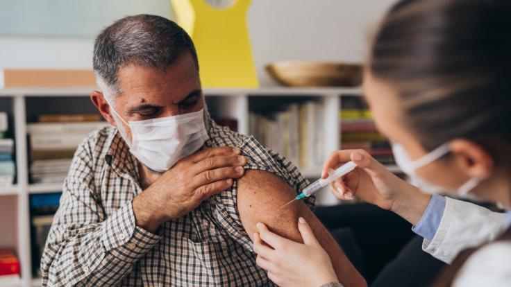 Ist die festgelegte Impf-Reihenfolge rechtens? (Foto)