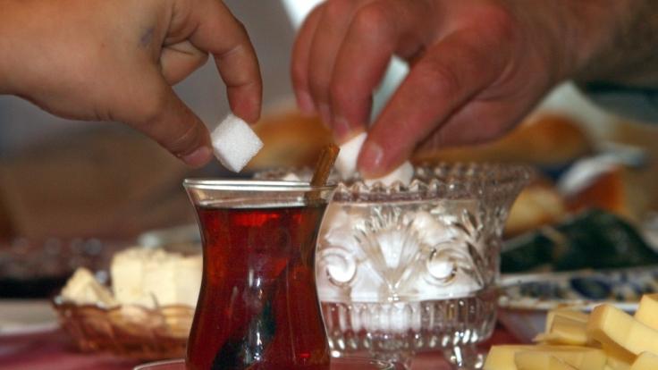 Mit dem dreitägigen Zuckerfest endet der Fastenmonat Ramadan. (Symbolbild)