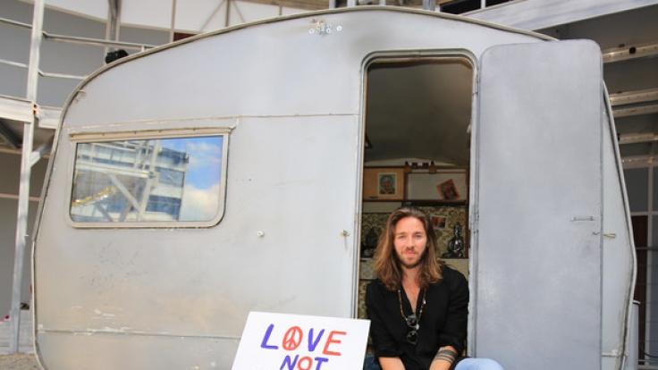 Sänger Gil Ofarim gilt als Frauenschwarm - doch der 34-Jährige ist glücklich verheiratet und Vater zweier Kinder. (Foto)