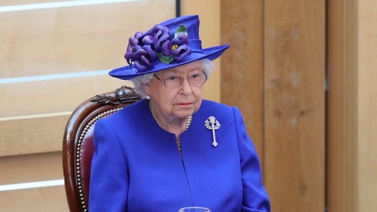 Queen Elizabeth II. wurde von einem dreisten Eindringling in ihrer Nachtruhe gestört. (Foto)