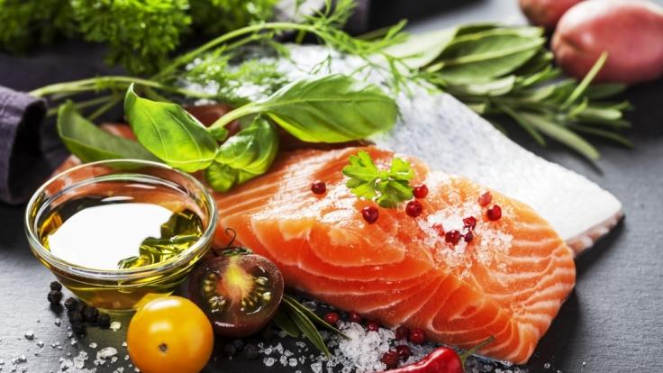 Lachs enthält viele Omega-3-Fettsäuren. (Foto)