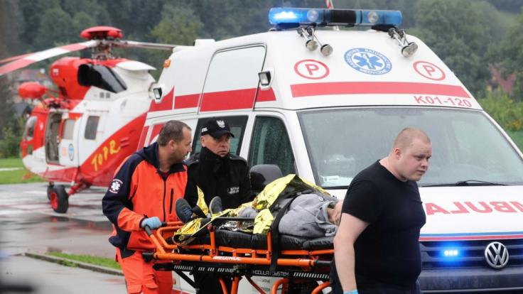 Im Tatra-Gebirge im südlichen Polen sind nach heftigen Unwettern mehrere Menschen ums Leben gekommen.