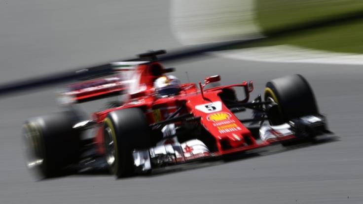 Mercedes-Pilot Lewis Hamilton hat den Großen Preis von Spanien vor Formel-1-Spitzenreiter Sebastian Vettel gewonnen.