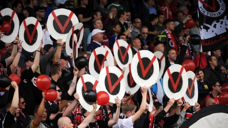 Die Fans von Viktoria Köln stehen hinter ihrem Verein. (Symbolbild) (Foto)