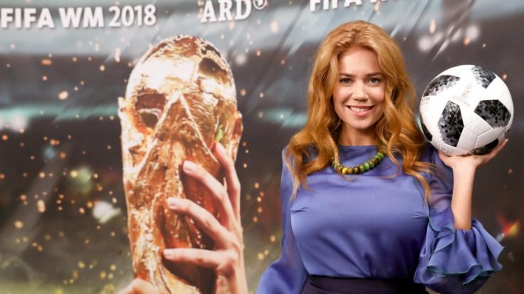 Palina Rojinski erntet mit Fußball-WM-Beitrag über Gorki-Park einen Shitstorm.