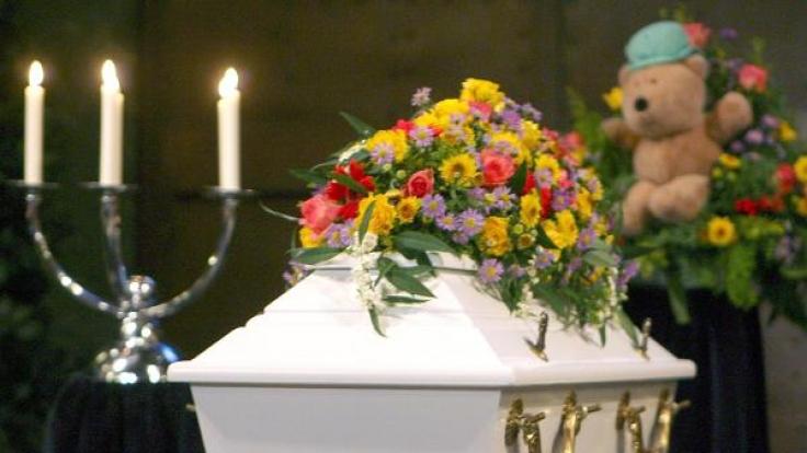 Der Todes eines Kindes ist für Eltern der schwerste Schicksalsschlag - auch die Stars sind vor derartigen Tragödien nicht gefeit. (Symbolbild) (Foto)