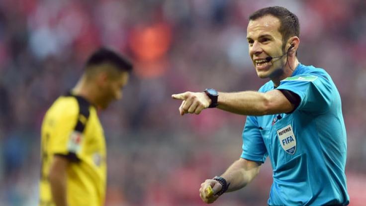 Die Diskussion um die Schiedsrichter in der Bundesliga spitzt sich weiter zu. (Foto)