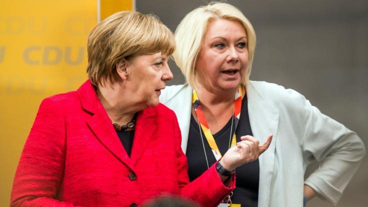 Die CDU-Bundestagsabgeordnete Karin Strenz, hier mit Bundeskanzlerin Angela Merkel, ist im Alter von 53 Jahren gestorben. (Foto)