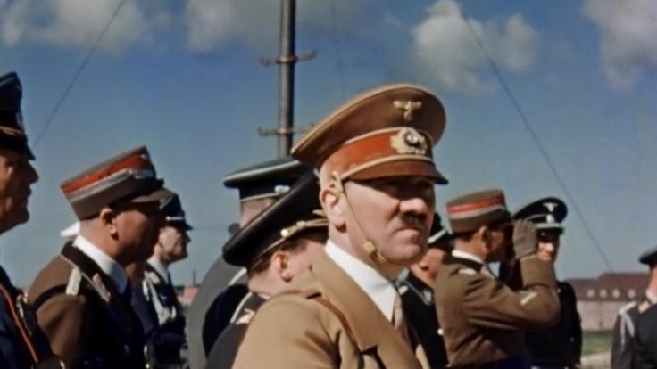 Ist Adolf Hitlers Großneffe ein Angela-Merkel-Fan?