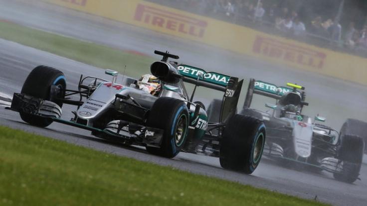 Beim Großen Preis von Silverstone 2016 konnte sich Lewis Hamilton gegen Nico Rosberg durchsetzen. (Foto)