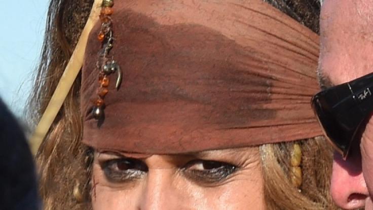 Schauspieler Johnny Depp als Pirat in seiner Rolle als Jack Sparrow.