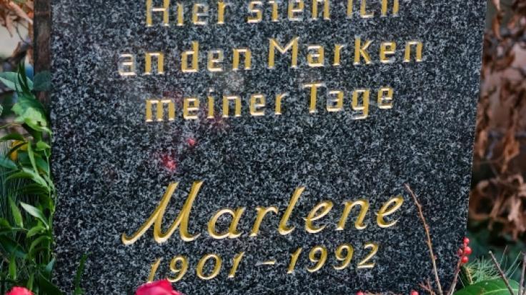 Marlene Dietrich fand auf dem auf dem III. Städtischen Friedhof Schöneberg in der Stubenrauchstraße in Berlin ihre letzte Ruhestätte. (Foto)