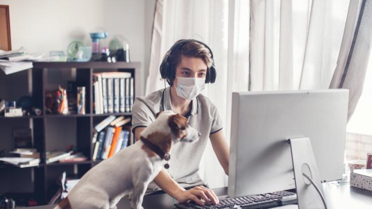 Lungenarzt warnt: In Innenräumen können Coronaviren noch Stunden in der Luft bleiben. (Symbolfoto) (Foto)