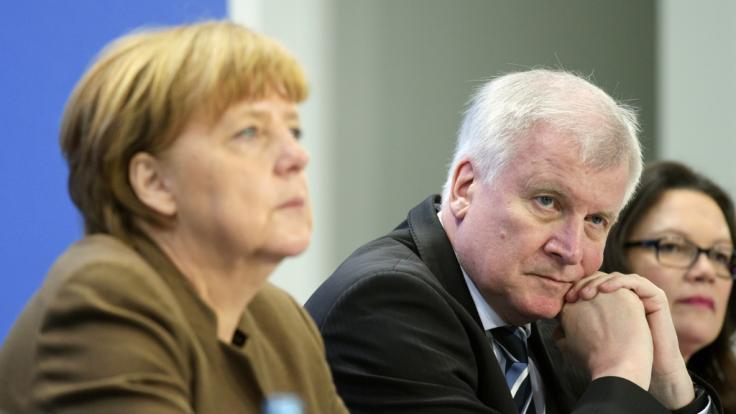 Viele Fragezeichen! Merkel, Seehofer und Nahles wollen den Maaßen-Deal am Wochenende neu verhandeln.