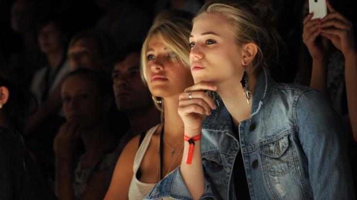Sarina Nowak (links) war bei GNTM zu sehen. (Foto)
