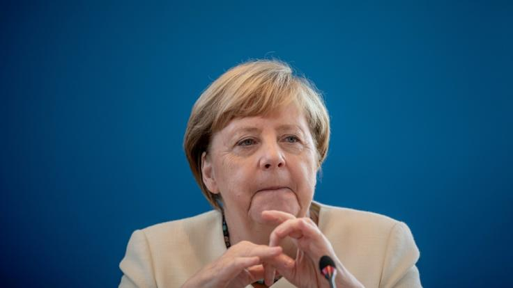 Kanzlerin Angela Merkel entscheidet bis Mittwoch über die Aufnahme weiterer Geflüchteter aus Moria.