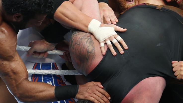 Beim Wrestling sind alle Aktionen vorher abgesprochen, das Aggressionspotential der Sportler ist aber manchmal sehr hoch. (Foto)