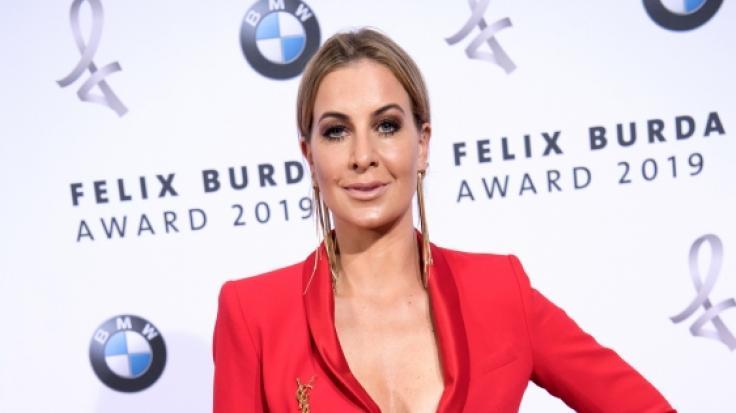 Moderatorin Charlotte Würdig zeigte auch bei der Verleihung des Felix Burda Awards 2019 reichlichDekolleté. (Foto)