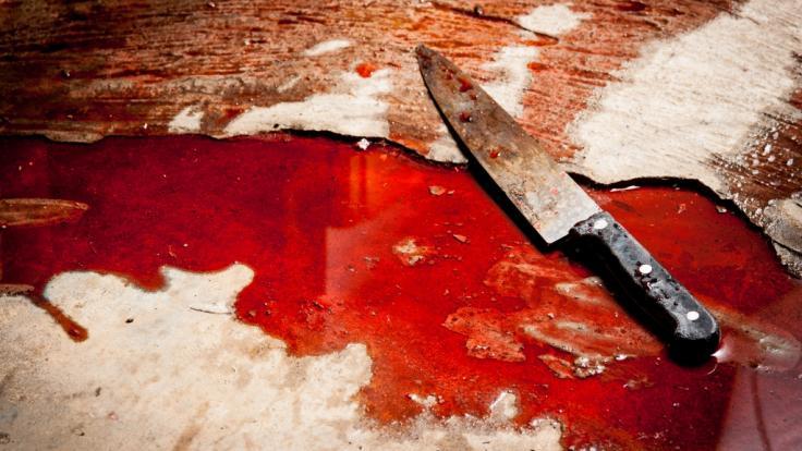 In einem französischen Gefängnis hat ein radikalisierter Häftling zwei Wärter mit einem Messer angegriffen und verletzt (Symbolbild).