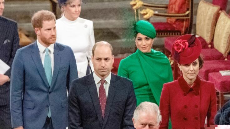 Die Stimmung zwischen Prinz Harry und Prinz William ließ beim letzten gemeinsamen Auftritt der Brüder zu wünschen übrig.