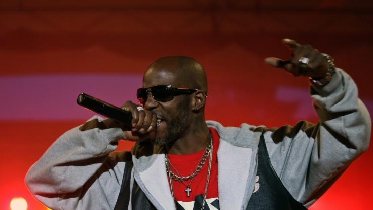 Der US-amerikanische Rapper DMX kämpft nach einer Überdosis Drogen im Krankenhaus um sein Leben. (Foto)