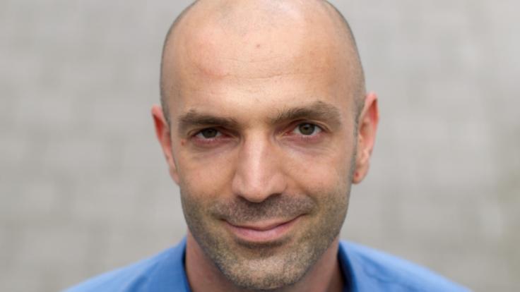 Jonas Schmidt-Chanasit, Abteilungsleiter des Hamburger Bernhard-Nocht-Institut für Tropenmedizin, aufgenommen im Jahr 2014. (Foto)