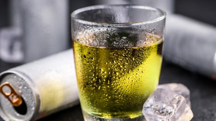 Ein 21-Jähriger trank zwei Jahre lang täglich Energydrinks. (Foto)