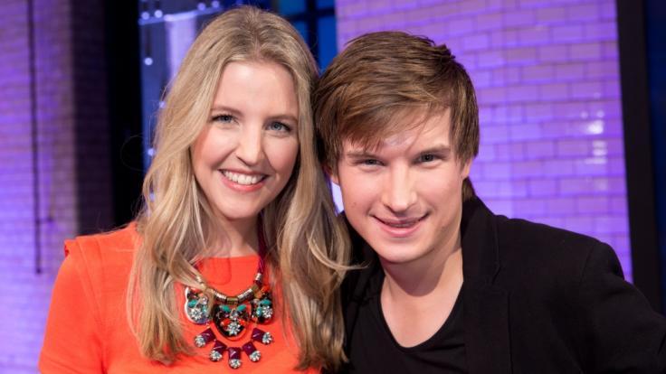 """Die """"logo!""""-Moderatoren Jennifer Sieglar und ihr heutiger Mann Tim Schreder bei einer Live-Show im Jahr 2014. (Foto)"""
