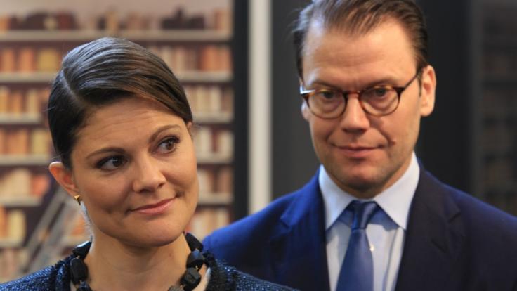 Prinzessin Victorias Ehemann, Prinz Daniel von Schweden, ist im Fernsehen ein peinlicher Fehler unterlaufen. (Foto)