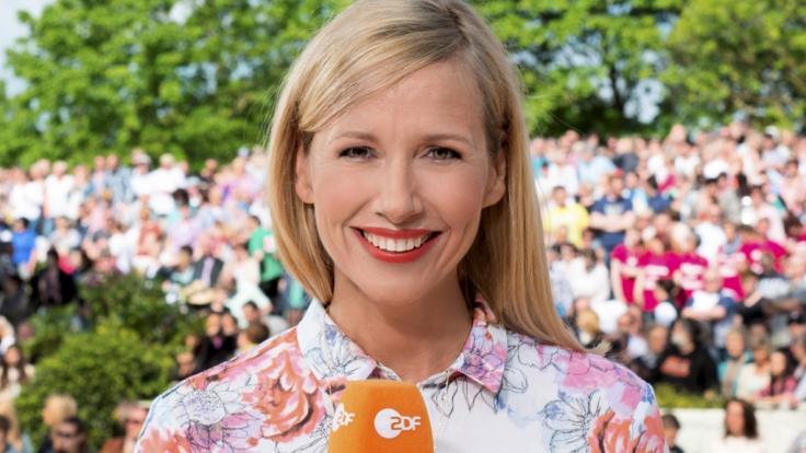 """Auch 2019 wird Moderatorin Andrea Kiewel als Gastgeberin im """"ZDF Fernsehgarten"""" fungieren. (Foto)"""