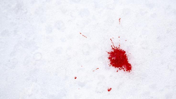In den Alpen könnte es am Wochenende Blutschnee geben.