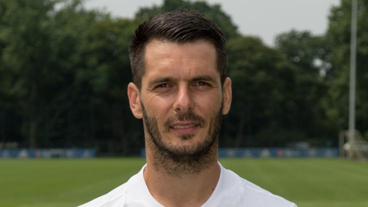 Ex-Bundesliga-Spieler Emir Spahic wurde nach einem Auto-Unfall mit schweren Verletzungen in ein Krankenhaus eingeliefert. (Foto)