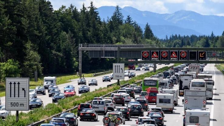Die Urlaubsrückkehrer können für volle Autobahnen sorgen.