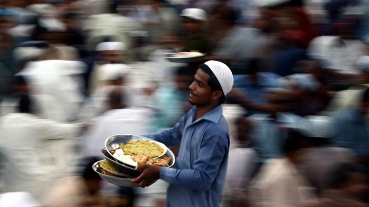 Während des Ramadans essen und trinken Muslime nur nach Sonnenuntergang. (Foto)