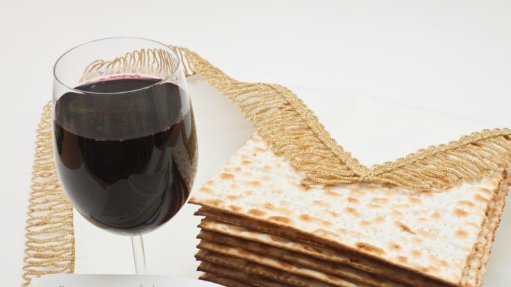 Ungesäuertes Brot, auch Mazza genannt, gehört zum jüdischen Pessach-Fest unbedingt dazu.