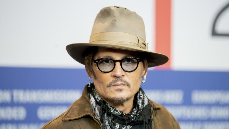 Ungebetener Gast bei Johnny Depp: Eindringling duscht in seinem Haus und macht sich einen Drink. (Foto)