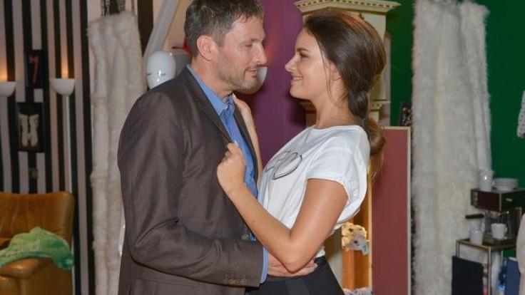 Skandal bei GZSZ! Frederic Riefflin und Jasmin Flemming sind eigentlich Vater und Tochter. (Foto)