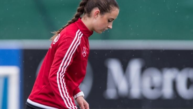 Sara Däbritz beim Training in Vorbereitung auf das Test-Spiel der DFB-Damen gegen die Schweiz. (Foto)