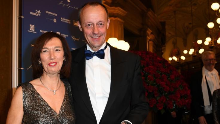 CDU-Politiker Friedrich Merz und seine Ehefrau Charlotte beim 14. Semperopernball im Jahr 2019.