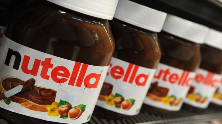 Die Ferrero-WM-Aktion sei teuer und ungesund, warnt die Verbraucherzentrale. (Foto)