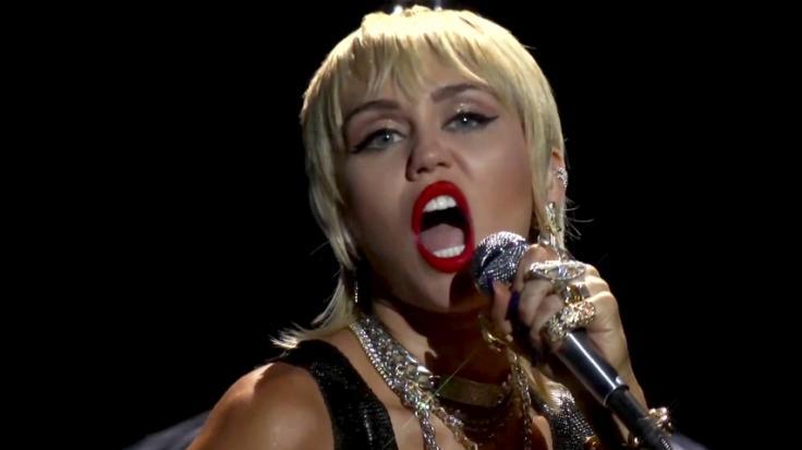 Miley Cyrus macht wieder einmal ihre Fans verrückt. (Foto)