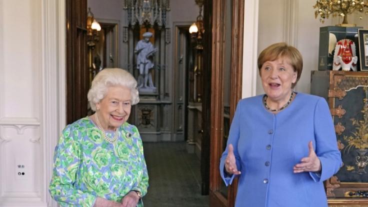 Die Nachrichten des Tages auf news.de: Nach der Privataudienz bei der Queen verspottet das Netz die Kanzlerin. (Foto)