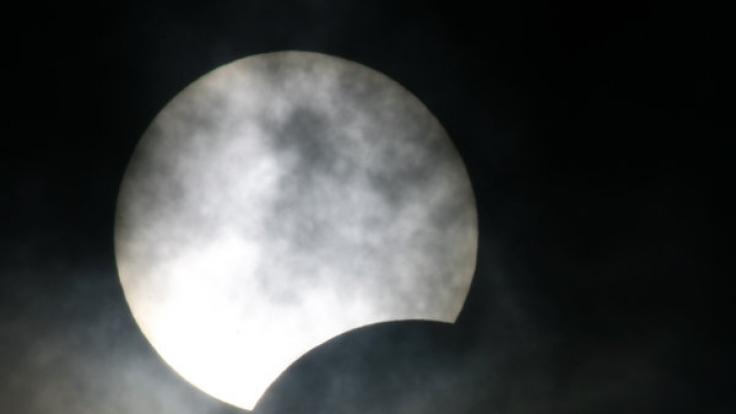 Sonnenfinsternis über Deutschland: Finden Sie hier die richtige Uhrzeit! (Foto)