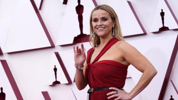 Reese Witherspoon strahlte in einer eleganten Robe von Christian Dior. (Foto)