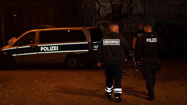 Im Monbijoupark in Berlin-Mitte ist in der Nacht zum 1. November ein 13 Jahre alter Junge bei einer Messer-Attacke tödlich verletzt worden. (Foto)