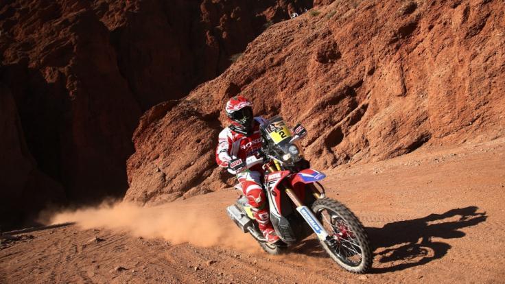 Der portugiesische Motorradpilot Paulo Goncalves, hier bei der Rallye Dakar 2016, ist bei dem Wüstenrennen tödlich verunglückt.