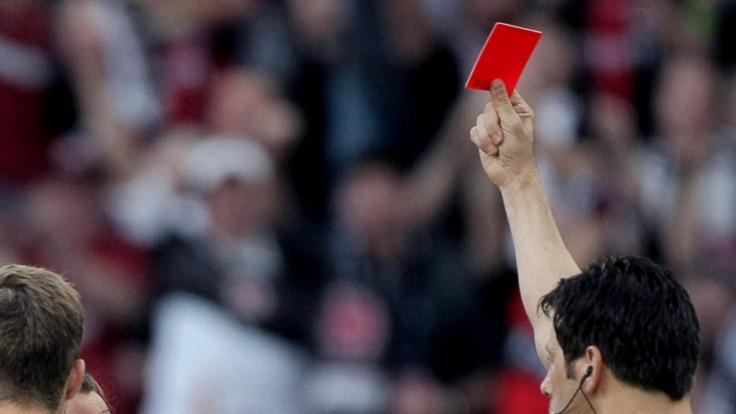 Der Schiedsrichter bei einem Amateurspiel in Mexiko erteilte einem Spieler die rote Karte. Dieser rastete daraufhin aus. (Foto)