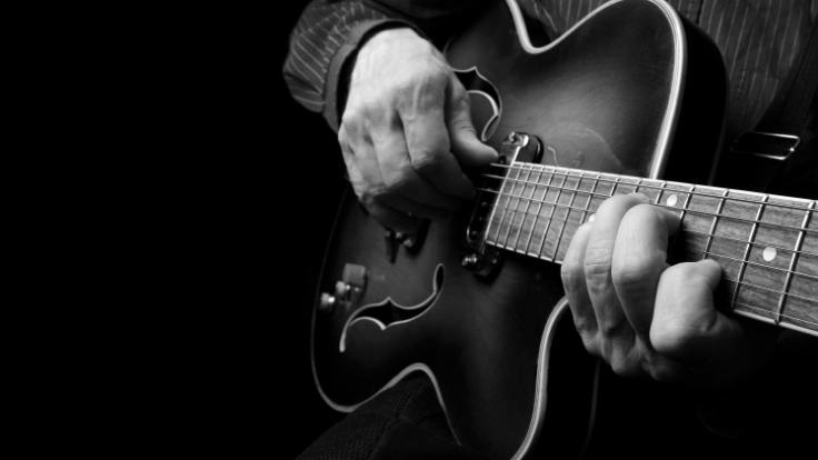 Gitarrist Kelvin Edmunds beging Selbstmord weil er die Folgen einer seltenen Erkrankung nicht mehr aushielt. (Foto)