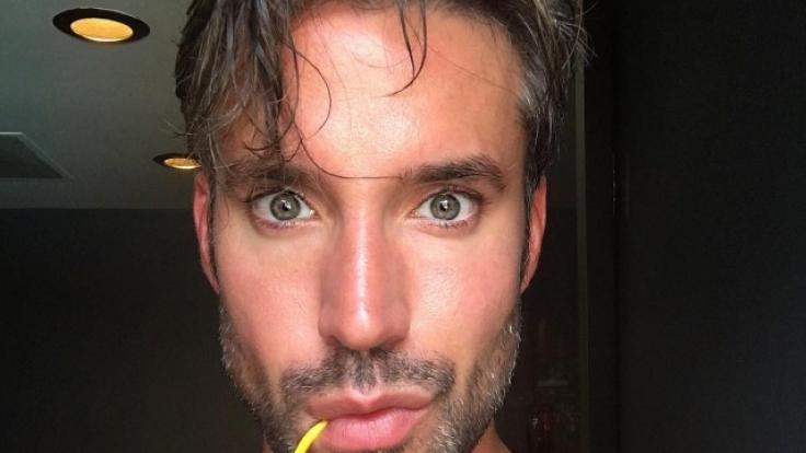 """Ein HIV-positiver Kandidat buhlt um die Liebe vom """"Gay Bachelor"""" Robert Sepúlveda Junior. (Foto)"""