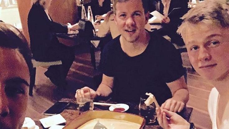 In einem japanischen Restaurant aß Mario Götze mit seinen Brüdern. (Foto)